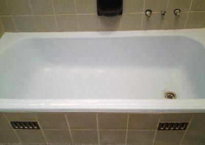 Bathroom resurfacing before shot